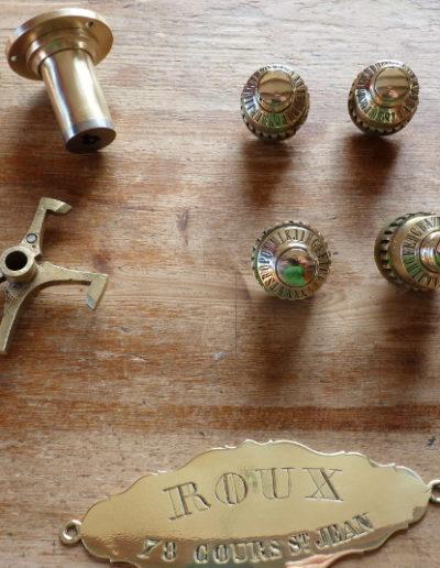 Pièces bronze polies